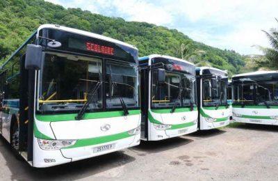 Bus pour les élèves de Moorea